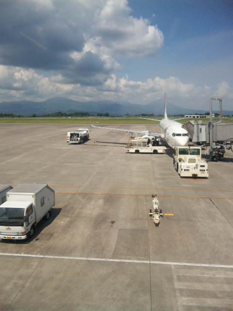 鹿児島空港にいます。_a0072505_1433745.jpg
