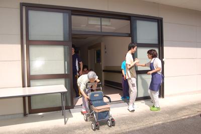 避難訓練を実施。_a0154110_9512180.jpg