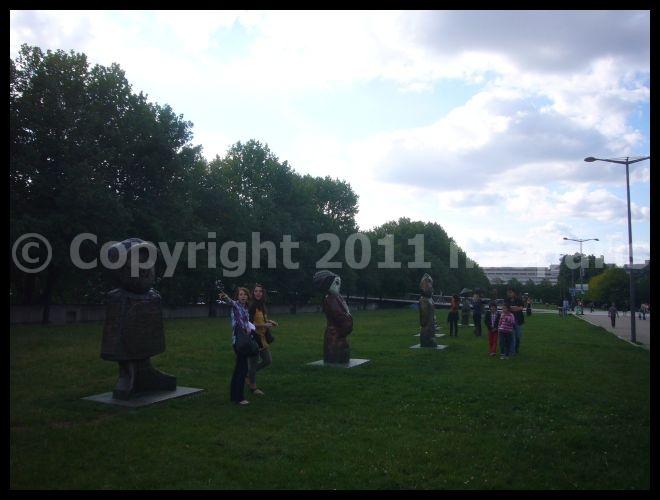【オブジェ】街角のオブジェ7月24日(PARIS)_a0012223_18443796.jpg