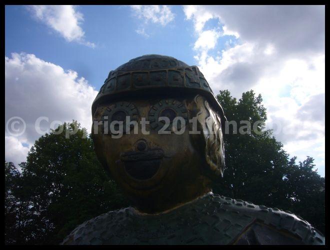 【オブジェ】街角のオブジェ7月24日(PARIS)_a0012223_1851499.jpg