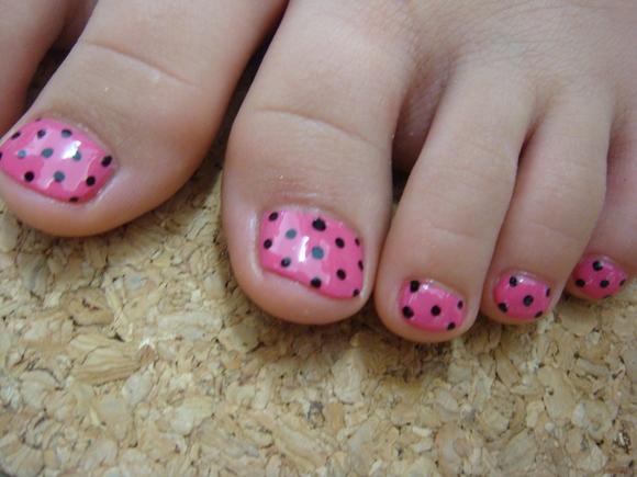 ピンクに黒ドット☆キッズネイル_a0145558_1292520.jpg