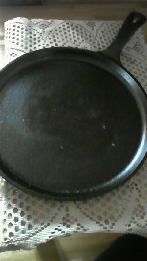 まきストーブ専用の鉄のフライパン♪_e0044865_1883524.jpg