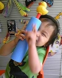 8月1日関西テレビ「おは朝」で水鉄砲紹介_d0148223_14424749.jpg