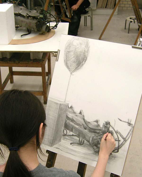 質感を描き分ける鉛筆デッサン/彫刻科_f0227963_213417.jpg