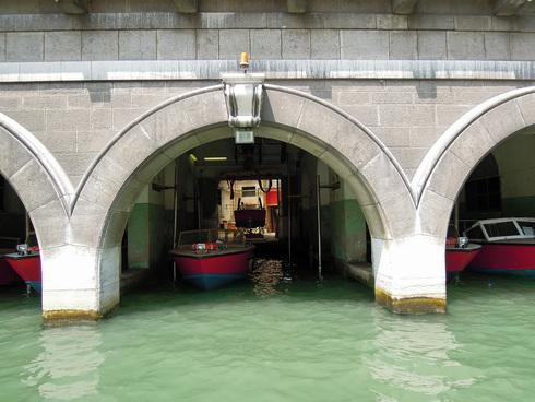 Water Taxi_e0189465_5421114.jpg