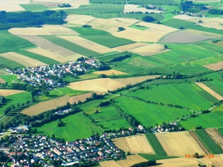 ミュンヘン上空から_e0195766_2102452.jpg