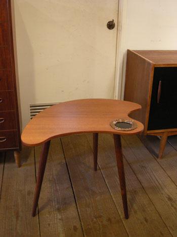 Side table (DENMARK)_c0139773_1961225.jpg