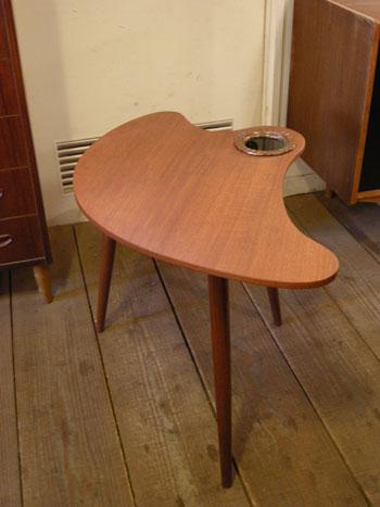 Side table (DENMARK)_c0139773_1962115.jpg