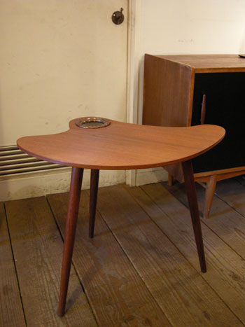 Side table (DENMARK)_c0139773_1962884.jpg