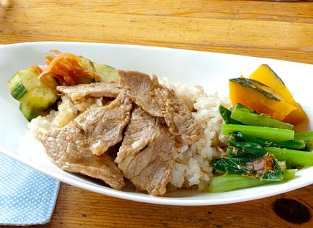 豚肉のわさび醤油炒めでワンプレートランチ_e0143176_10224422.jpg