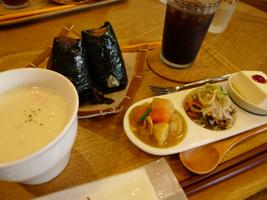 『おむすび+cafe OMU』さん_b0142989_16362345.jpg