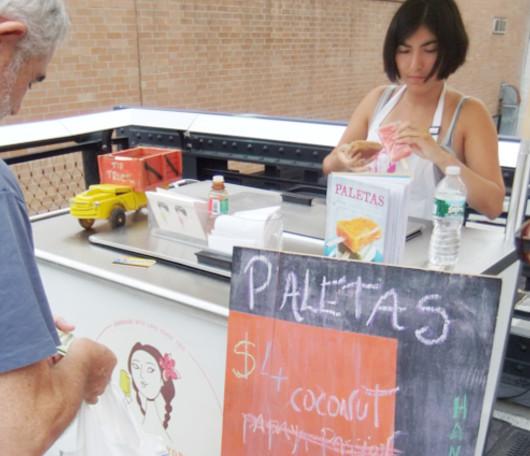 ニューヨークの屋台で売ってる美味しいフルーツ・アイス・キャンディー、LA NEWYORKINA_b0007805_6313280.jpg