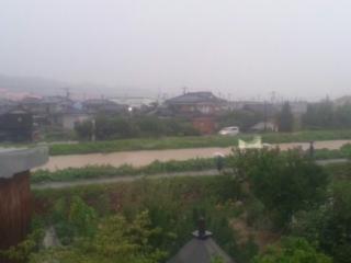 下条ダムの放流開始です。_b0130512_5373876.jpg