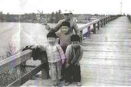 新潟市の信濃川に木造の塩の橋が架かっていた・・・・・_d0178448_1841597.jpg