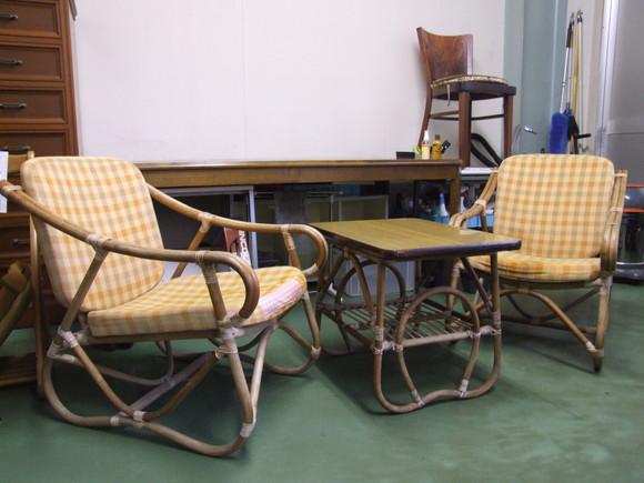 想い出の椅子とテーブル_d0224984_22372371.jpg