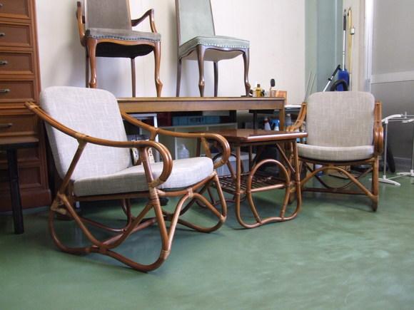 想い出の椅子とテーブル_d0224984_22375741.jpg