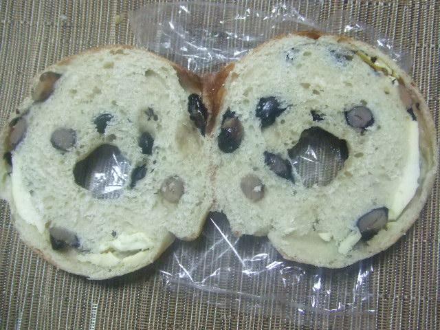 hohoemi 黒豆クリームチーズ _f0076001_2234236.jpg
