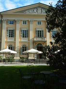 トリノから1泊旅行 ロマーノ カナヴェーゼ/Romano Canabese Torino_d0070113_20425060.jpg