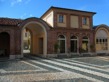 トリノから1泊旅行 ロマーノ カナヴェーゼ/Romano Canabese Torino_d0070113_20455611.jpg