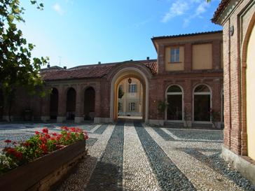 トリノから1泊旅行 ロマーノ カナヴェーゼ/Romano Canabese Torino_d0070113_20462732.jpg