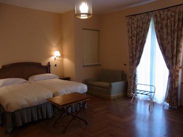 トリノから1泊旅行 ロマーノ カナヴェーゼ/Romano Canabese Torino_d0070113_20484544.jpg