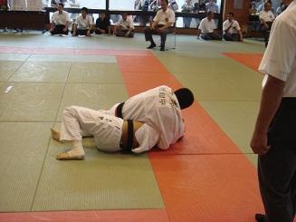 中体連県大会柔道競技の部で優勝し,全国大会出場!!_d0010630_23102045.jpg