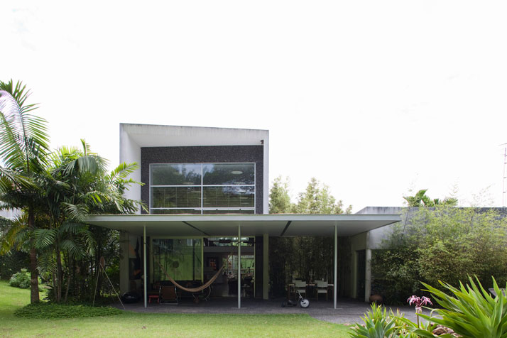 The House of Architect Pedro Useche_a0118453_12543618.jpg