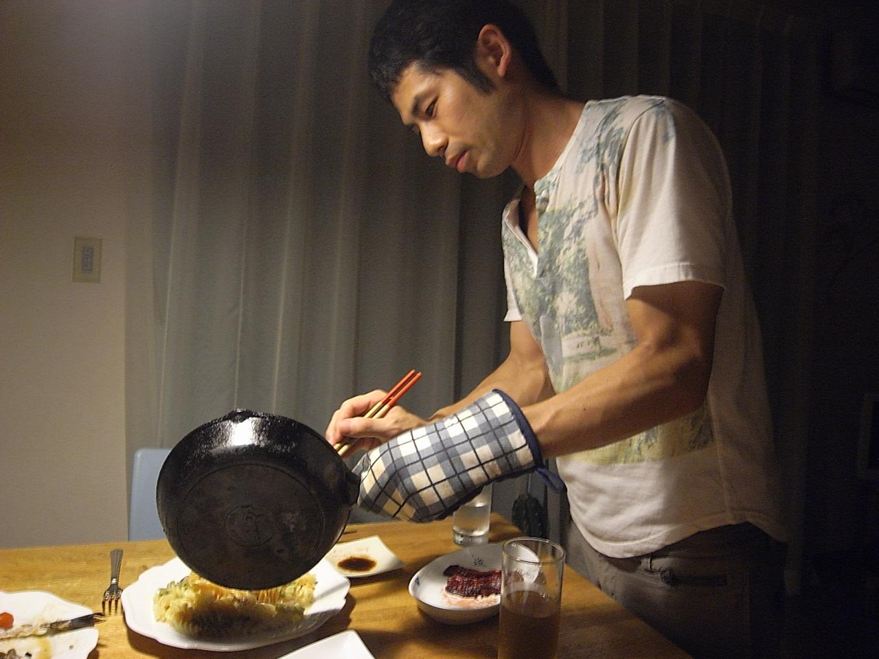 夕飯はいさきのソテーとムール貝の入ったショートパスタ。_e0230090_22325214.jpg