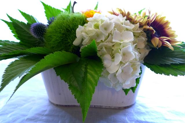 夏らしいお花で。静岡に発送。_b0171193_22203711.jpg