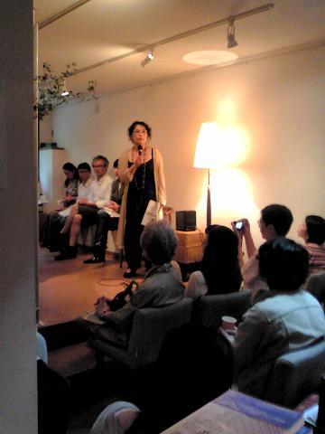 伊藤比呂美さんの詩の会、ぶじ終了しました。_e0151902_11112595.jpg