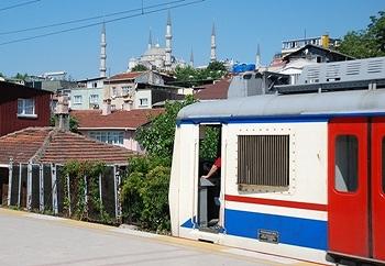 イスタンブール トルコ国鉄の近郊電車_e0030537_2139259.jpg