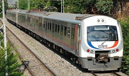 イスタンブール トルコ国鉄の近郊電車_e0030537_2248965.jpg