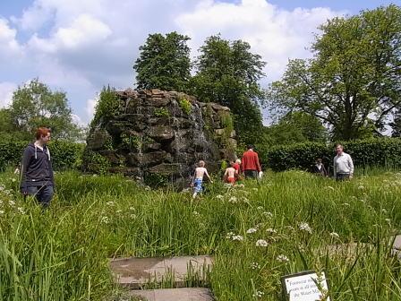 Hever Castle ガーデン......ウォーターメイズ_d0127182_17163155.jpg