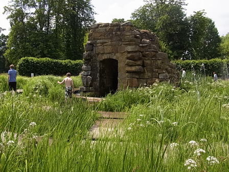 Hever Castle ガーデン......ウォーターメイズ_d0127182_17265744.jpg