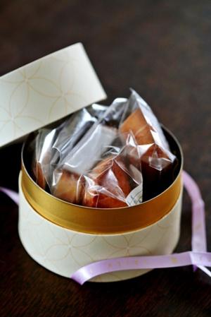 YUJI AJIKIの焼き菓子_b0048834_7324160.jpg