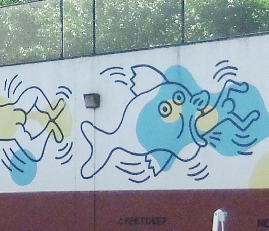 ニューヨークの市民プールはキース・へリングさんの巨大壁画つき_b0007805_10373690.jpg
