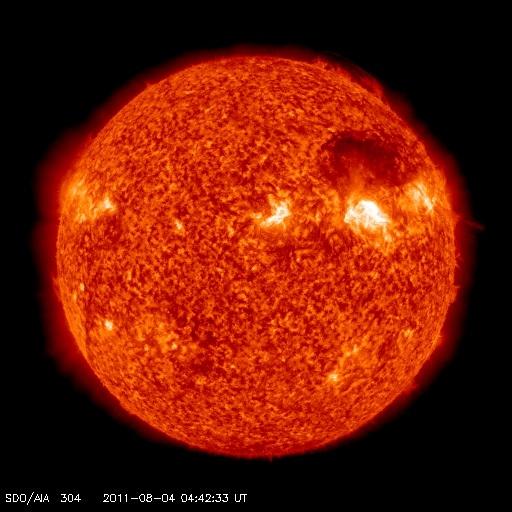 もうすぐ地球にCMEがやって来る!?:電磁擾乱に備えるべきか!?_e0171614_9383397.jpg