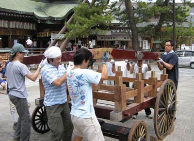 今日は新潟祭りの前夜祭の民謡流しで、7日(日)は新潟川開き花火大会です_d0178448_108144.jpg