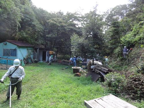 定例活動日:広場草刈り_c0108460_1834735.jpg
