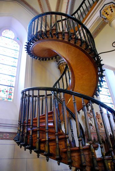 支柱なしの螺旋階段