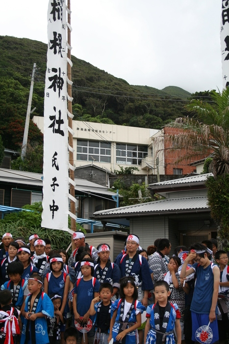 御蔵島のお祭り_e0015223_20282566.jpg