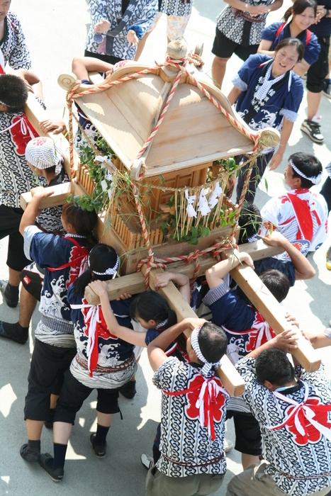 御蔵島のお祭り_e0015223_20331320.jpg