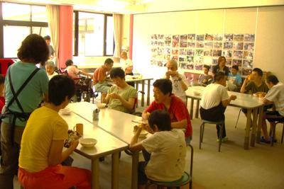 8/8暑い日は喫茶で一服・・。_a0154110_1058440.jpg