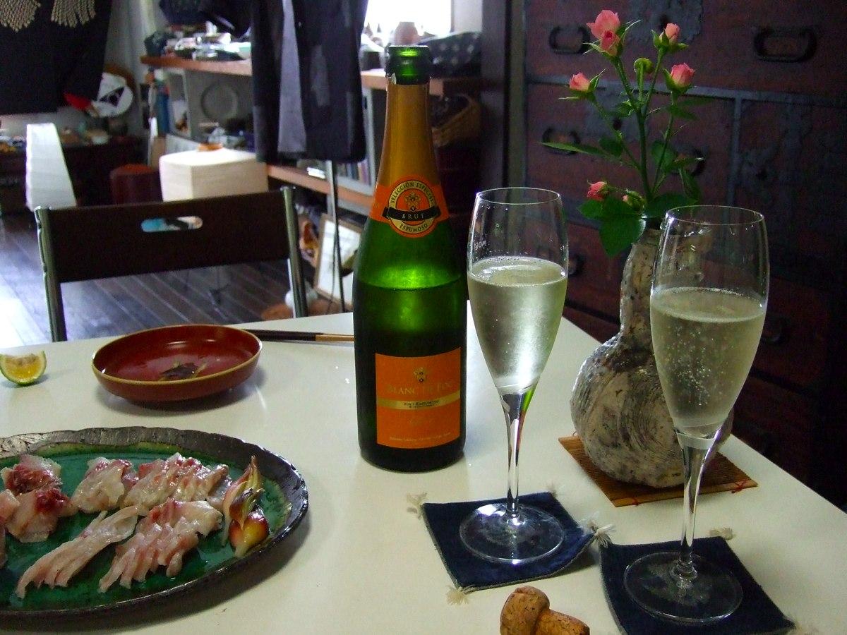 昼食と夕食をかねてます。_a0095931_17165257.jpg
