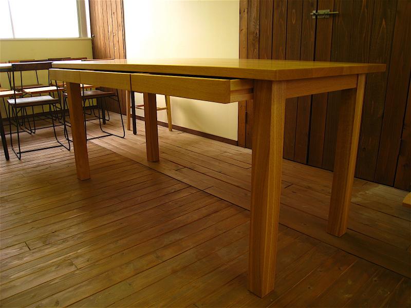 ダイニングテーブル_a0151345_22445655.jpg