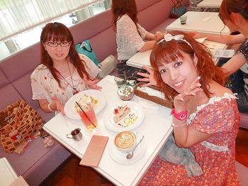 『ジルスチュアートカフェ』に行ってきましたっ☆_d0174765_0155373.jpg