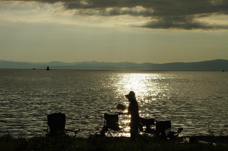 湖北の夕陽..._f0152550_22424378.jpg