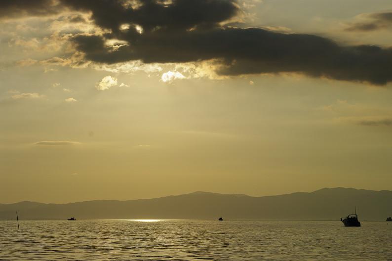 湖北の夕陽..._f0152550_22425550.jpg