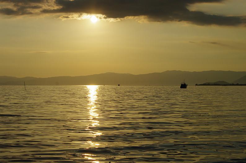 湖北の夕陽..._f0152550_22432184.jpg