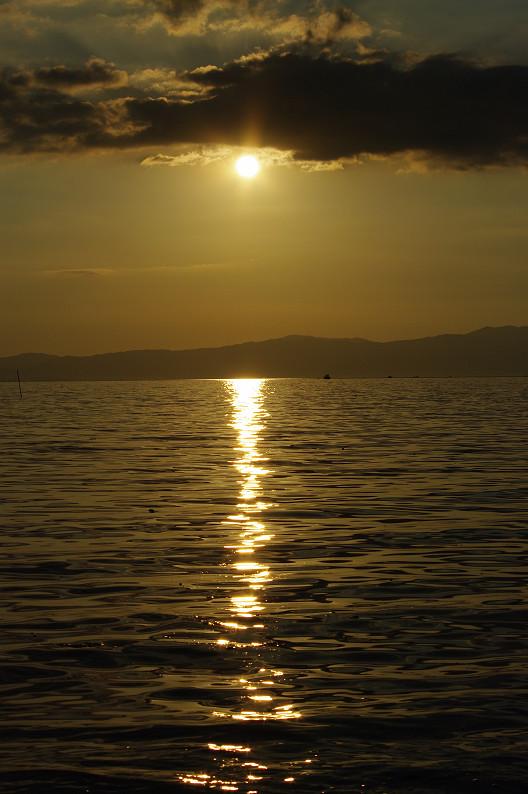 湖北の夕陽..._f0152550_22432671.jpg